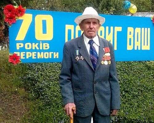 На фото: Дмитро Григорович Сіренко на 9 травня 2015 року.