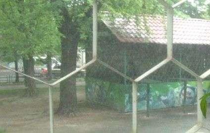 Вид з вікна мешканки будинку Інни Василівни
