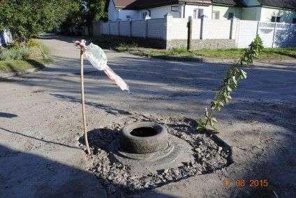 Черкащани нарешті дочекалися ремонту каналізаційних колодязів (ФОТО) (фото) - фото 3