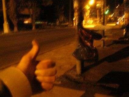 У Черкасах молодь встановлює одноразові смітники на зупинках і в парках (ФОТО) (фото) - фото 3