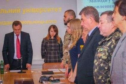 а фото: Учасники обох революцій вшанували пам'ять загиблих побратимів