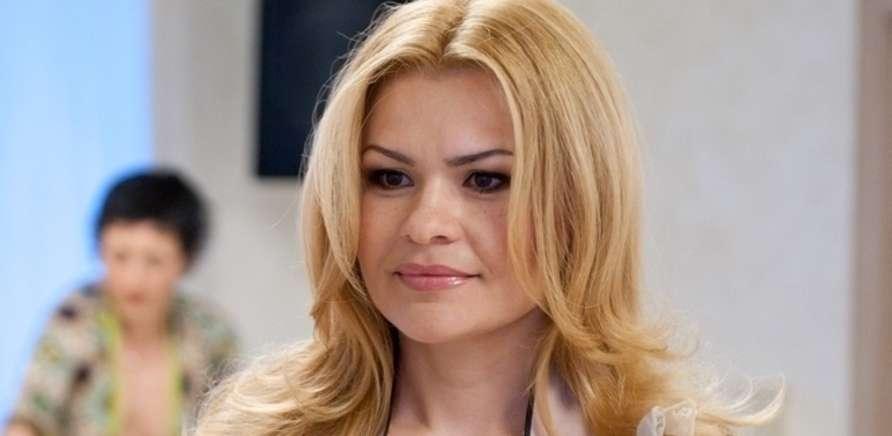 Відома українська дизайнерка одягу родом із Черкас. Серед її постійних  клієнток Юлія Тимошенко 8b00eaa9bd4f5