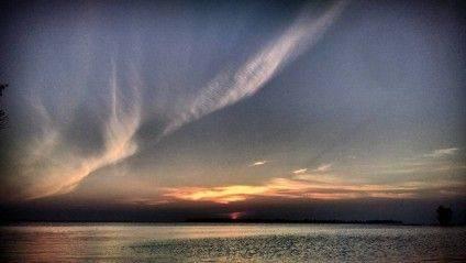 Вид із пляжу на черкаський Дніпро. Фото @alexandr_povazhnuy