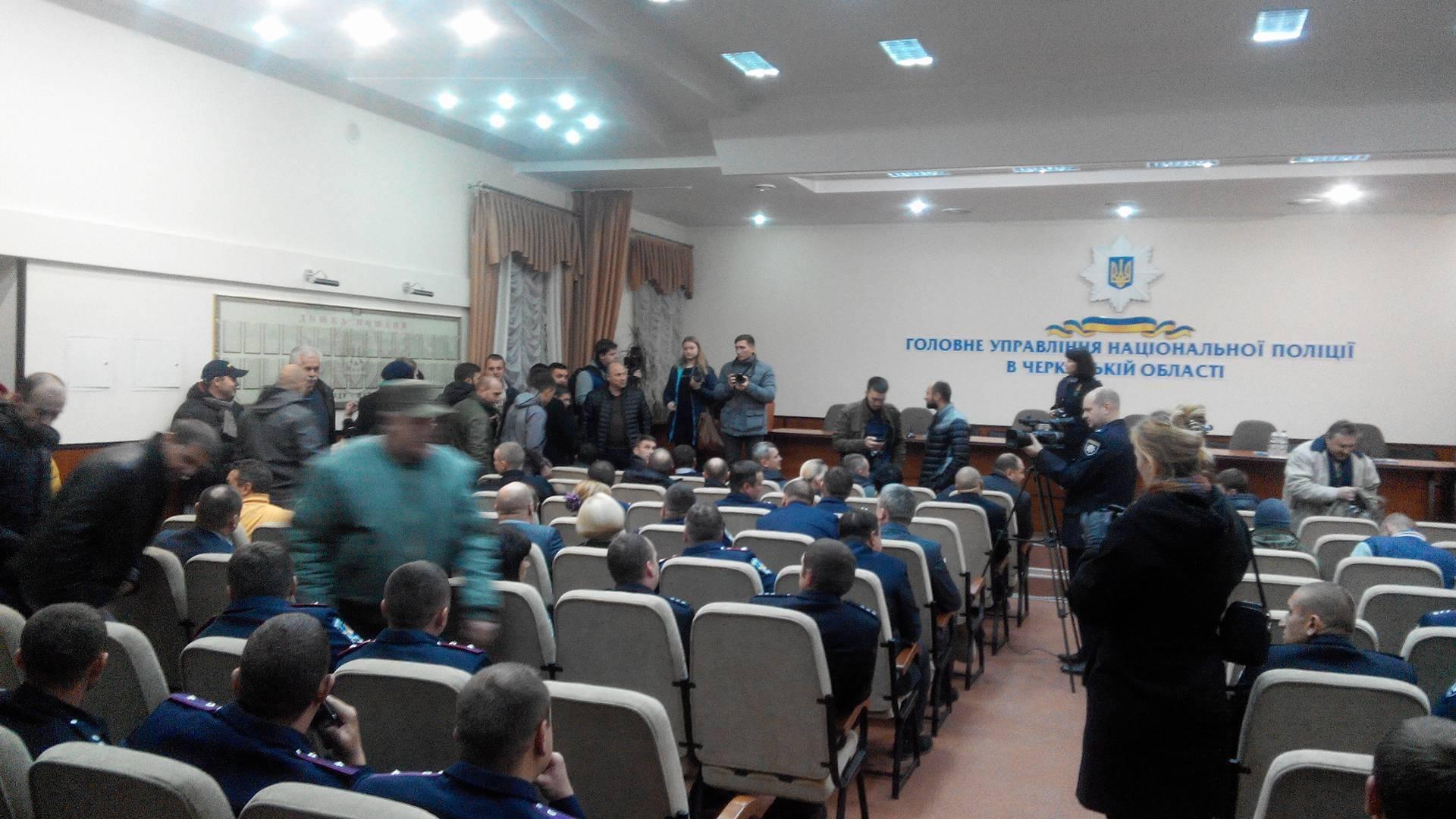 Активисты потребовали отменить назначение Лютого главой полиции Черкасщины - Цензор.НЕТ 5608