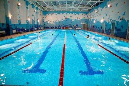 Взрослый-бассейн