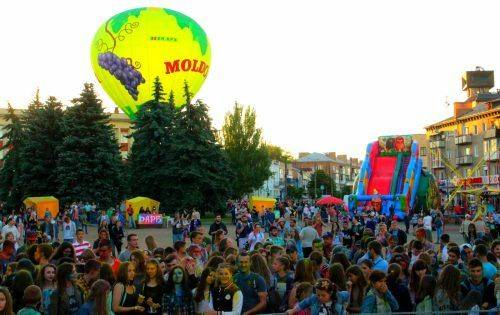 Картинки по запросу фестиваль холі в умані