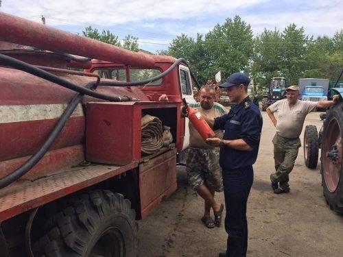 Уманські рятувальники контролюють пожежну безпеку на хлібних масивах (фото)
