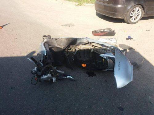 У Черкасах не розминулися автомобіль та мопед (фото)
