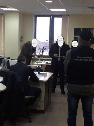 У Смілі службові особи привласнили майже 23 млн грн (фото)