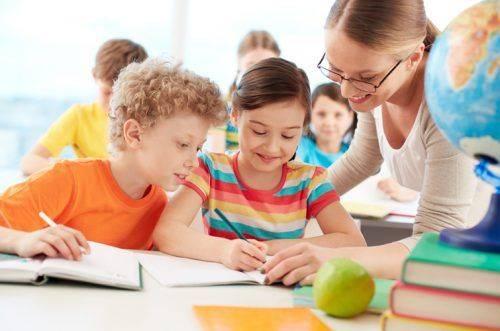 Друковані зошити, шкільна форма та режим дня – що мають знати батьки черкаських школярів до 1 вересня