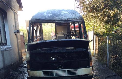 На Черкащині через замикання електропроводки згоріла автівка