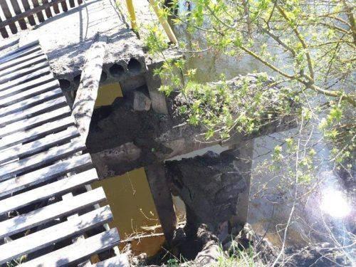 Через зруйнований міст на Катеринопільщині обмежили рух великоваговиків