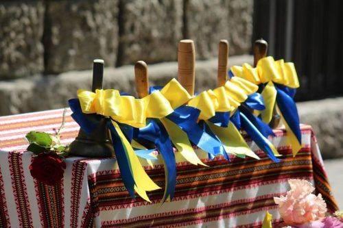 Навчальні заклади Прикарпаття самостійно вирішуватимуть, коли проводити свято першого вересня (відеосюжет)