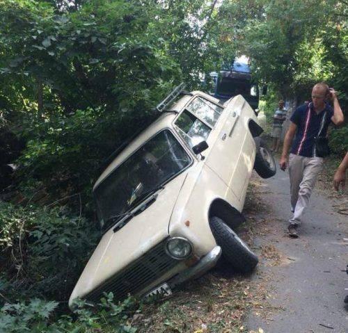 На Черкащині водій легковика злетів у кювет (відео)