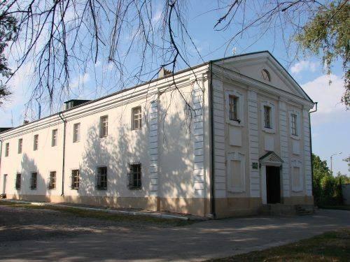 На Черкащині заповіднику повернули приміщення монастиря з якого зробили кафе
