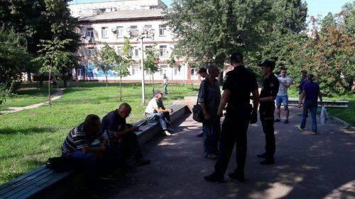 У Черкасах площу 700-річчя окупували любителі алкоголю (фото)