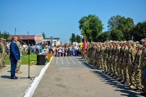 Військове звання - потреба сьогодення, - кафедра військової підготовки черкаського вишу відсвяткувала перший випуск (фото)