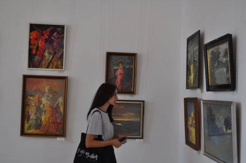 У Черкасах відкрилася виставка відомого живописця (фото)