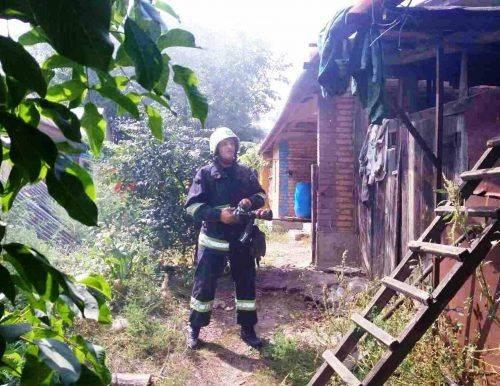 На Христинівщині через дитячі пустощі згоріло три тонни соломи (фото)