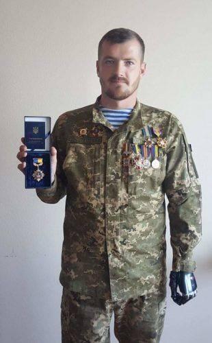 Черкаський боєць АТО отримав почесну медаль (фото)