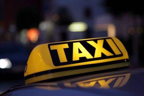 У Черкасах студенти-візочники зможуть безкоштовно їздити у таксі