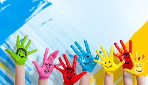 Патріотичний фейс-арт: черкаську малечу вчитимуть малювати пальцями