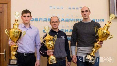 Черкаський тренер отримав почесне звання