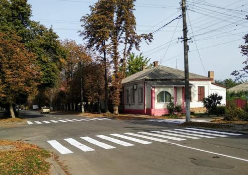 У Золотоноші облаштовують пішохідні переходи (фото)