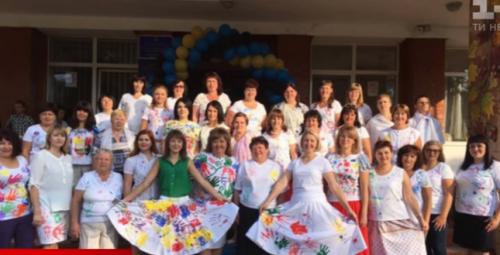 """Креативне вбрання золотоніських вчителів відзначили на телеканалі """"1+1"""" (відео)"""