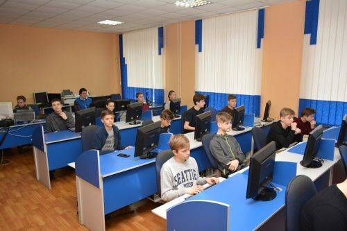 Черкаських школярів запрошують на безкоштовні курси програмування