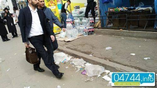 Хасиди перетворюють вулиці Умані на смітник (фото)