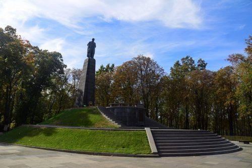 Волонтер вирушив у пішу мандрівку від Словянська до Канева, щоб вклонитися Кобзареві