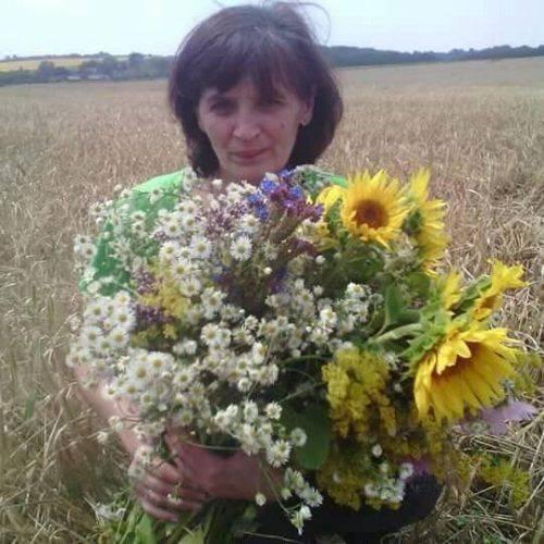 У Золотоноші шукають безвісти зниклу 49-річну жінку (фото)