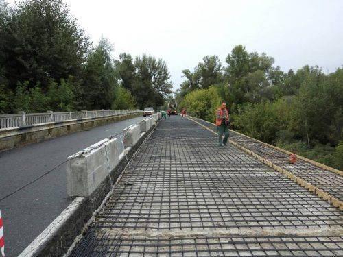 На Черкащині триває ремонт мосту через річку Рось (фото)