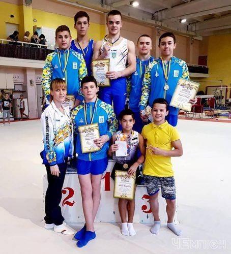 Черкаські гімнасти підкорили чемпіонат Києва серед юніорів