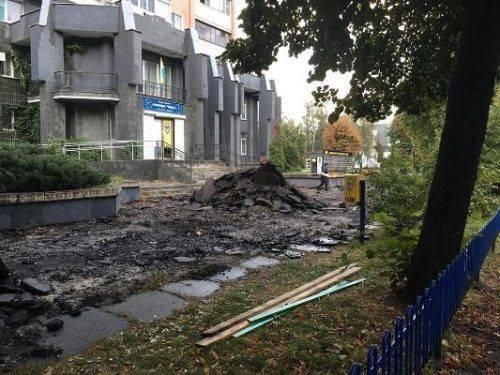 У Черкасах реконструюють тротуари по бульвару Шевченка (фотофакт)