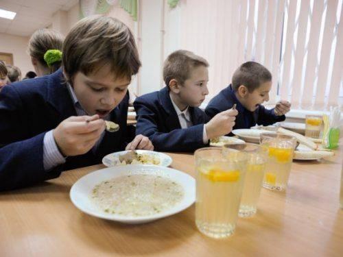 У Черкасах можуть підвищити вартість харчування у шкільних їдальнях