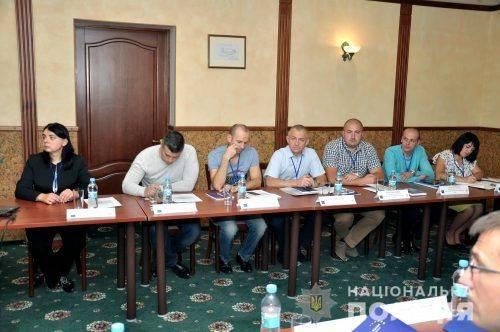 У Черкасах розпочався тренінг-семінар для поліцейських-перемовників (фото, відео)