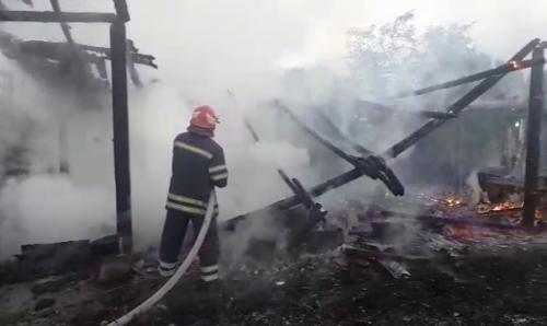 Через підпал на Канівщині ледь не згоріла пилорама (фото, відео)