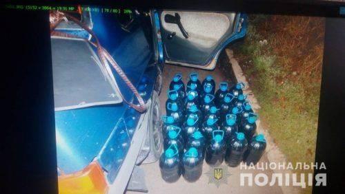 Поліцейські затримали черкащанина, який перевозив 150 літрів спирту та амфетамін