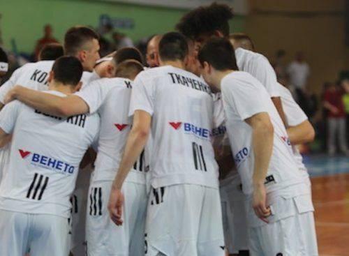 Черкаські баскетболісти виграли два товариські матчі на змаганнях у Латвії