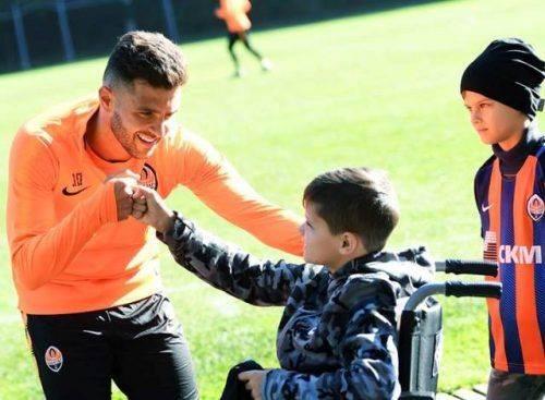 «Шахтар» підтримав юного черкаського футболіста, який отримав тяжку травму