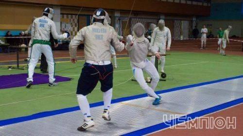 Черкаський спортсмен увійшов до трійки кращих фехтувальників України