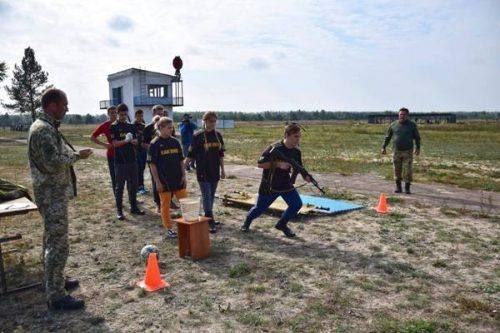 В Оршанці поблизу Черкас відбулись змагання «Юних друзів прикордонників»