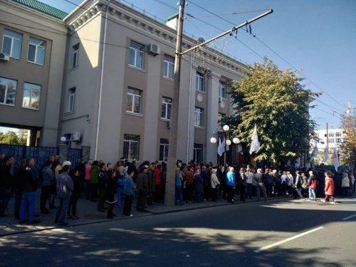 У Черкасах через пікет перекрили рух по бульвару Шевченка
