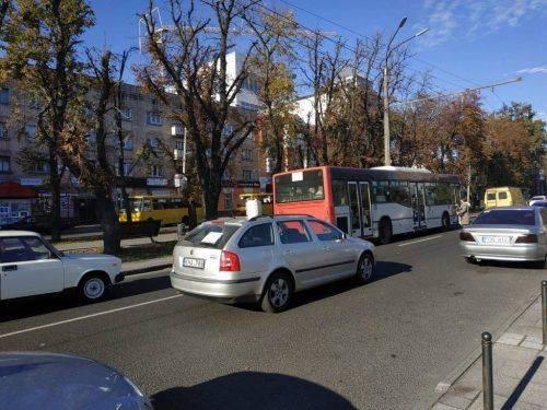 Черкаські автомобілісти протестують проти здорожчання пального (фото)