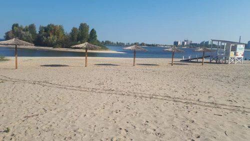 Наступного року на черкаському пляжі встановлять туалети та душові