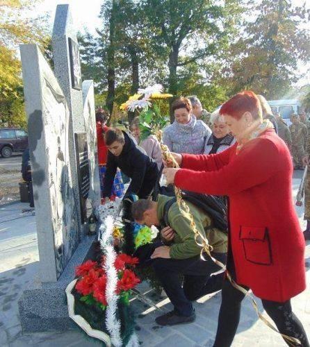 На Черкащині відбулося відкриття пам'ятного знака (фото)
