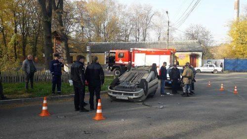 На Черкащині перекинувся легковий автомобіль, є постраждалі