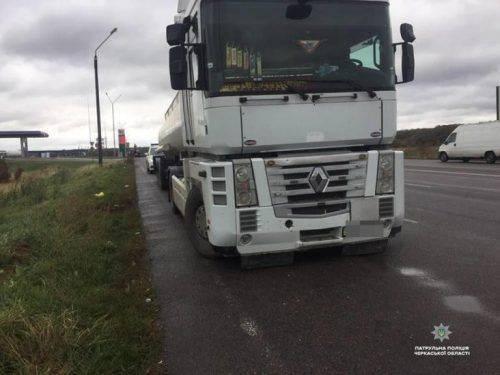 Уманські патрульні зафіксували вантажівку з підробленими документами